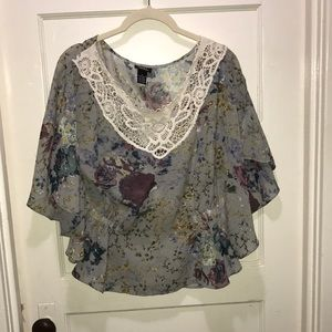 Flowy floral grayish blue top with lace detail